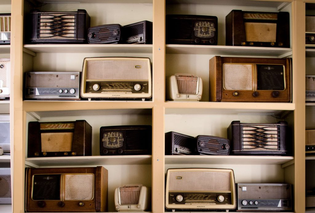vintage radio scaled