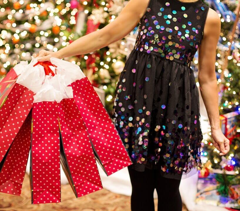 christmas shopping on black friday