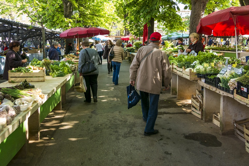 most farmers markets wont let you sell without a business licence
