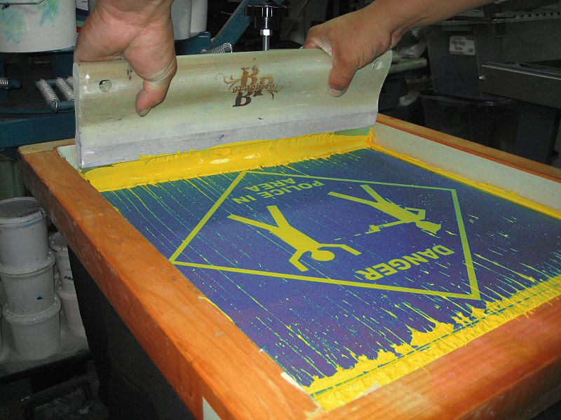 make money selling t shirts with screen printing