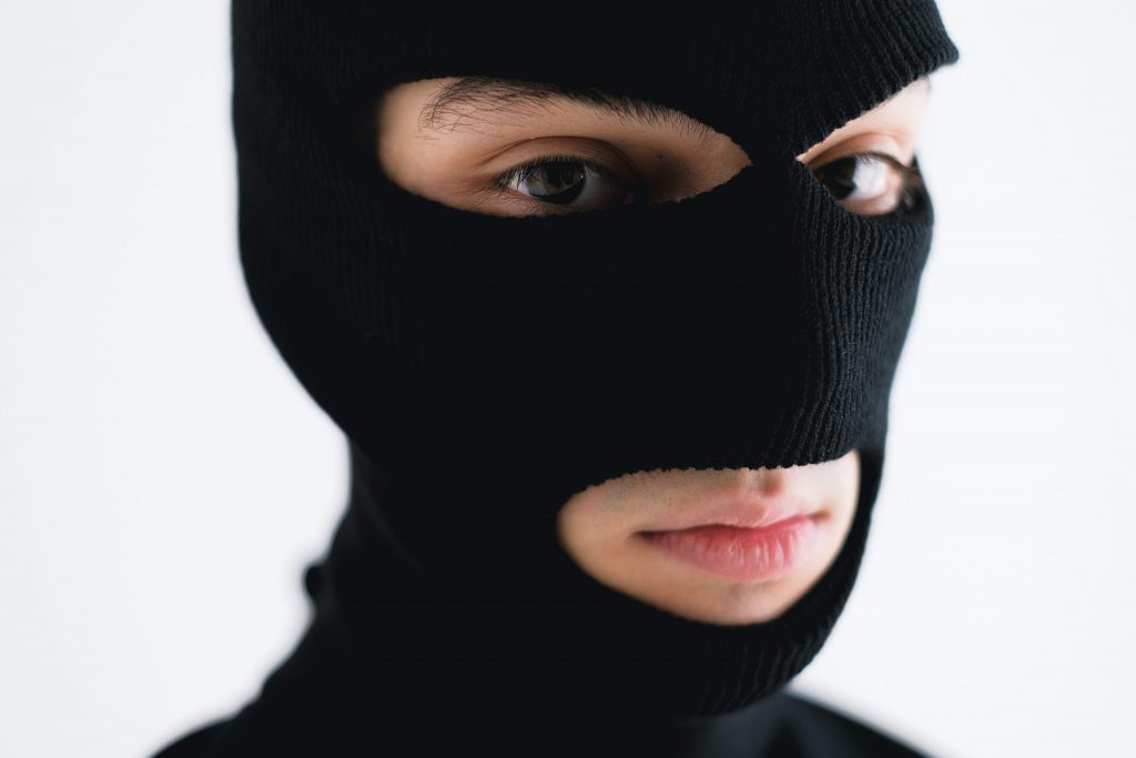 tips and tricks to protect your identity from thieves